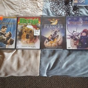 Brand new Christmas movies. bundle of 4 dvds